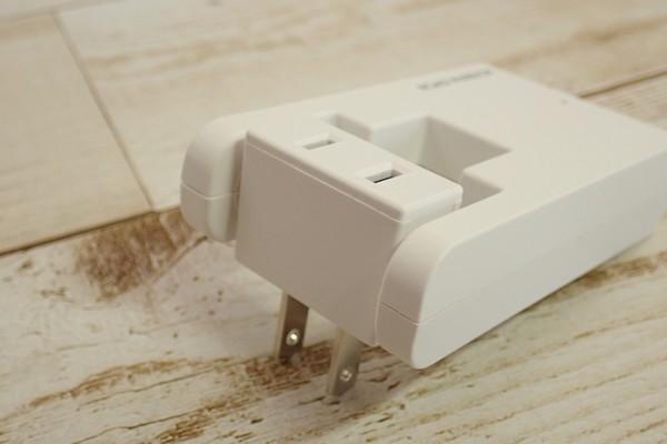 SiSO-LAB☆AC240V対応タップ付きUSB電源アダプタ。サンワサプライ スイングUSB充電タップ ホワイト TR-AD2USBW。ACタップ部分は360度回転。