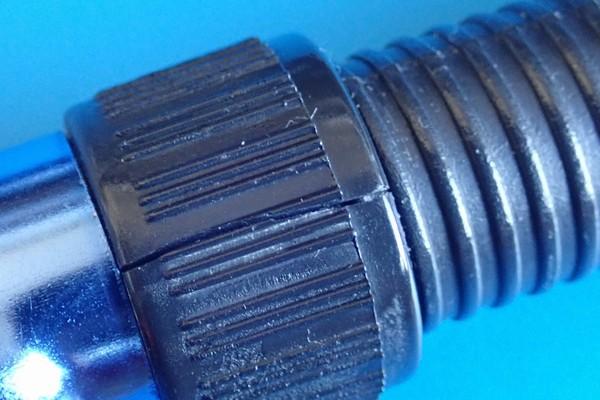 SiSO-LAB☆振り出し竿が固まっちゃったよ。別の竿のリールシートリングの割れ方。
