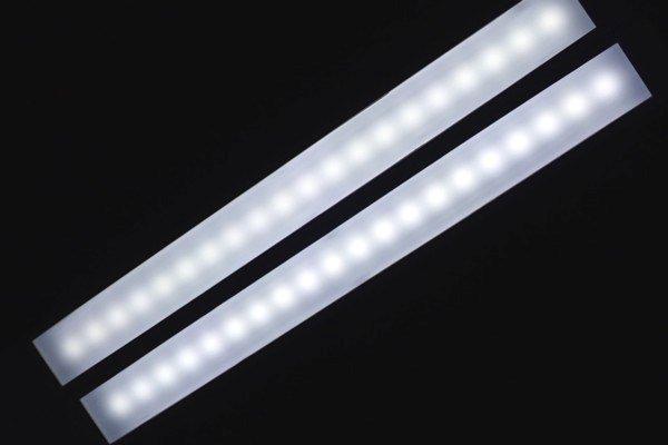 SiSO-LAB☆オーム電機LED デスクスタンドライトODS-L48G-W。LEDの光り方。