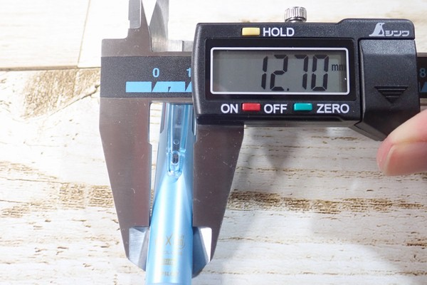 SiSO-LAB☆PILOT フリクションボール3スリム太さ測定詳細写真。