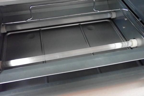 SiSO-LAB☆TWINBIRD オーブントースター TS-D047B。ヒーターは上下2本ずつ合計4本。