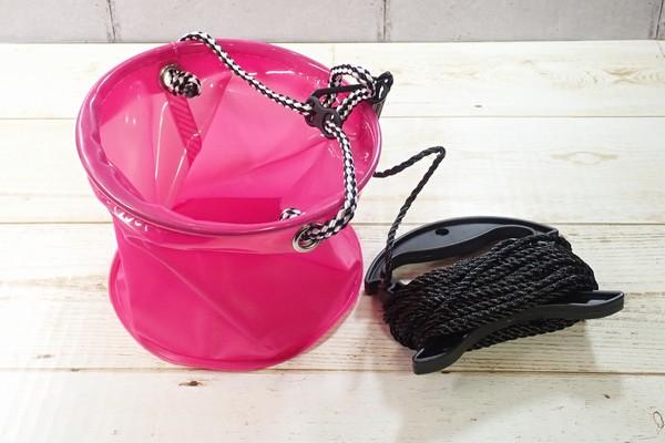SiSO-LAB☆釣・小さな水汲みバケツ、かなり便利。タカミヤ Smile Ship カバー付き水汲みバケツ。バケツを広げたところ。