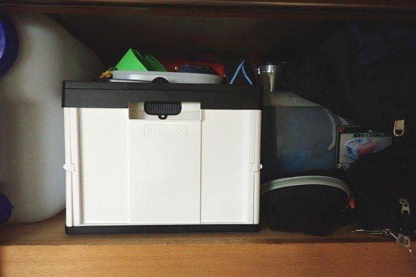 SiSO-LAB☆アウトドアでも家庭でも便利な取っ手付き折りたたみコンテナ。押し入れにもいい感じに収納できるよ。
