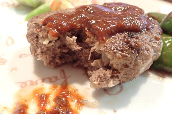 SiSO-LAB☆iふるさと納税ジビエ、シカ肉&イノシシ肉合挽ミンチでハンバーグ。おいしい。味は牛にに近いかな。