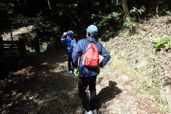 SiSO-LAB☆お昼ご飯のカップ麺を目指して山道登るよ。