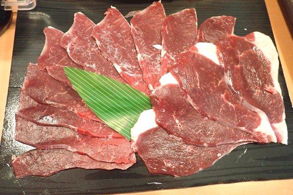 SiSO-LAB☆ふるさと納税・北海道鷹栖町・エゾ鹿肉モモスライスで紅葉すき焼き。モモスライス。
