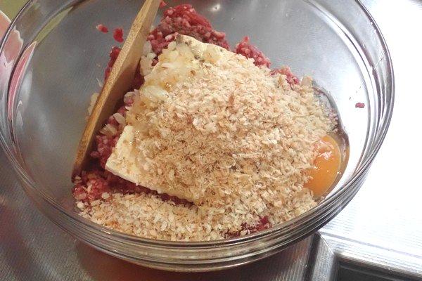 SiSO-LAB☆ふるさと納税・徳島県那賀町、阿波ジビエ 那賀町産シカ肉 ・イノシシ肉の合挽ミンチでハンバーグ。パン粉追加。